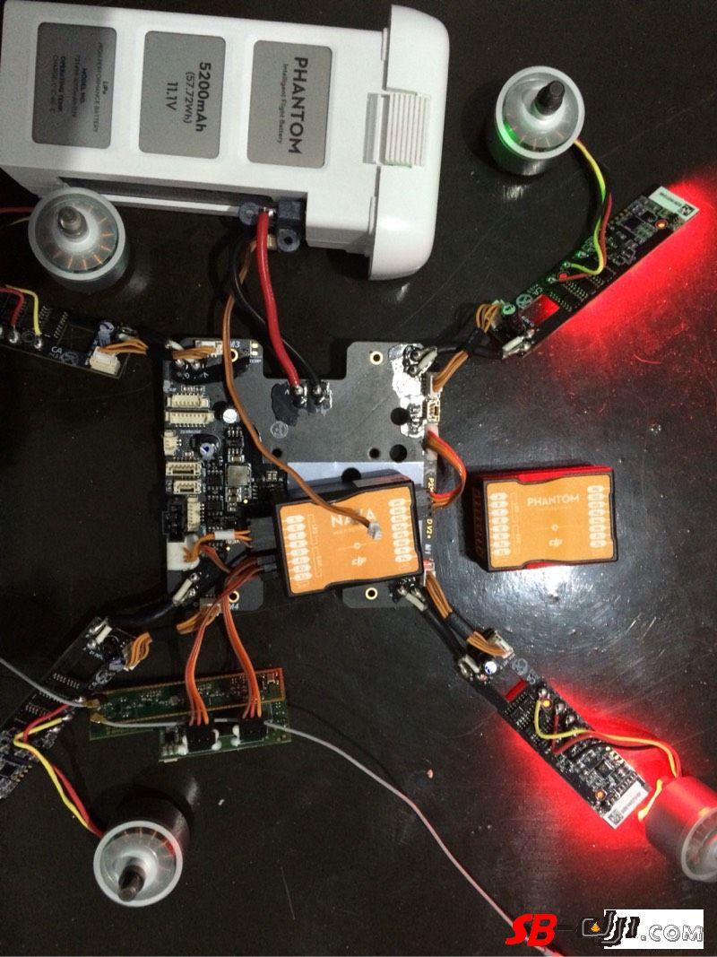 换NAZA V2飞控果然可以绕过精灵2对智能电池的认证