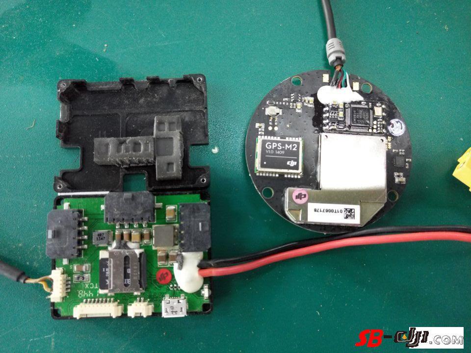 A2 IOSD GPS 拆开的样子