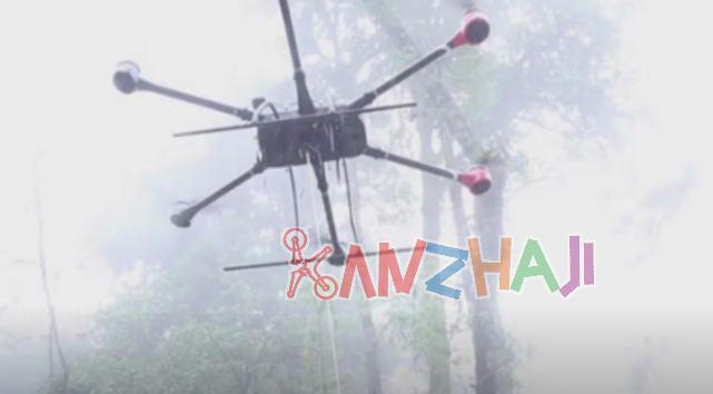 西藏墨脱哨所首次无人机空投物资