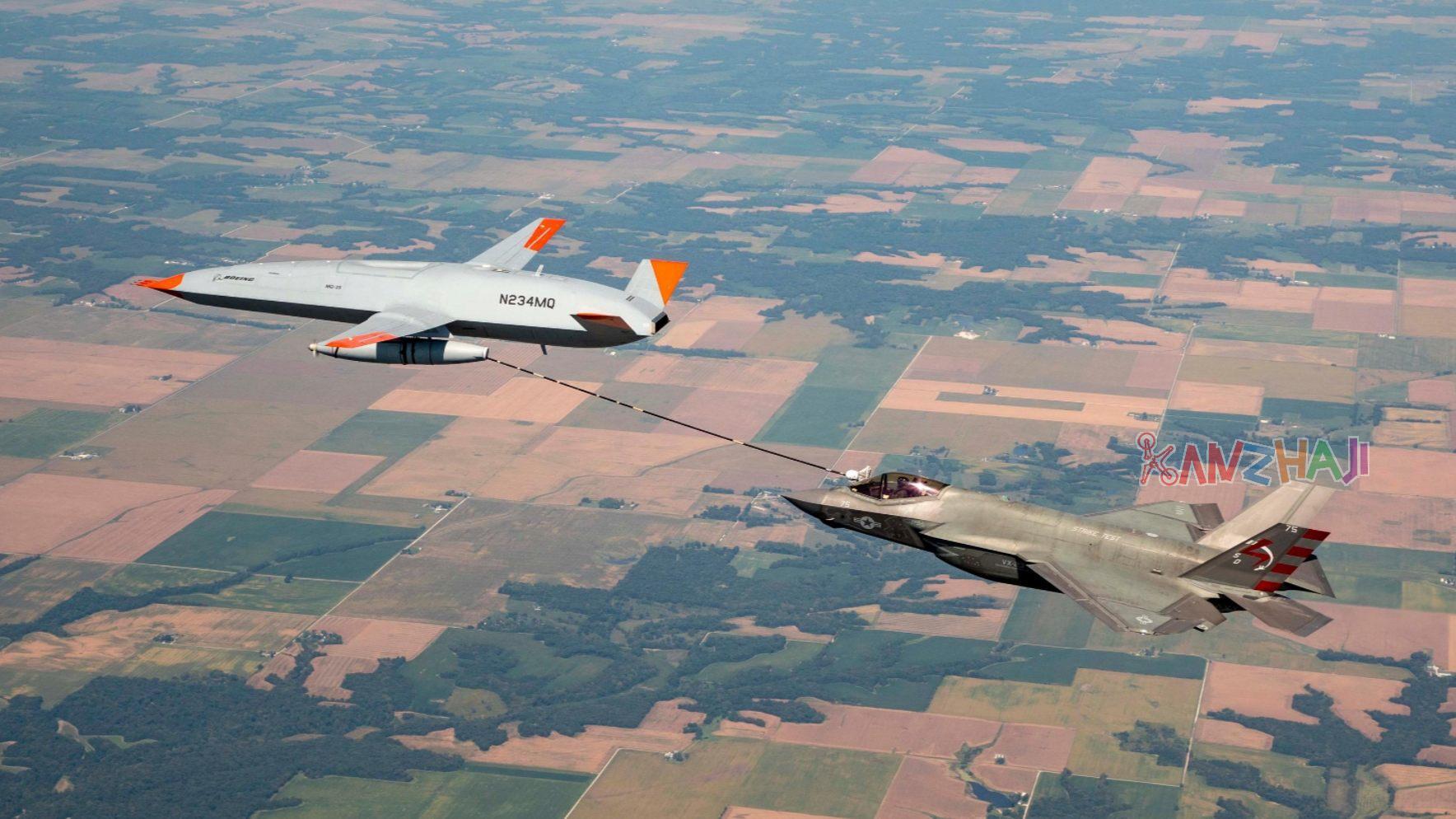 美国MQ-25无人机为 F-35C战斗机加油
